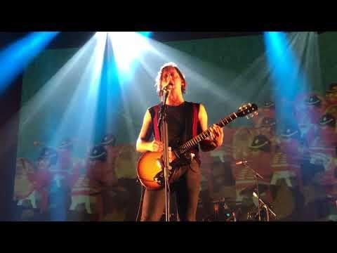 The Libertines - Fame & Fortune [live @ Brighton Centre, Brighton 02-10-17]