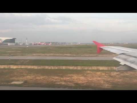 Maldives Décollage Kuala Lumpur Air Asia /  Maldives Take-off Kuala Lumpur Air Asia