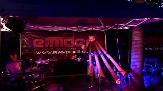 Fastest Didgeridoo Player - Emdee Live From Darwin & Aboriginal Dancers - Fast Drum