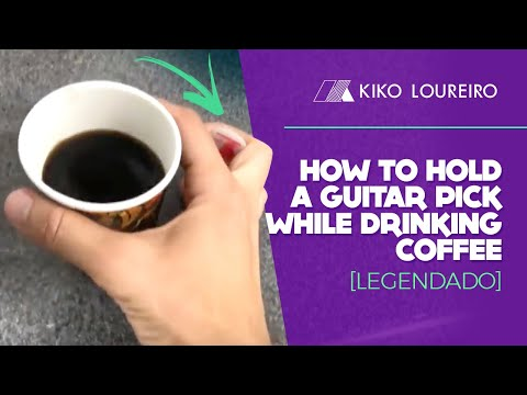 How to hold a guitar pick while drinking coffee  [legendado]