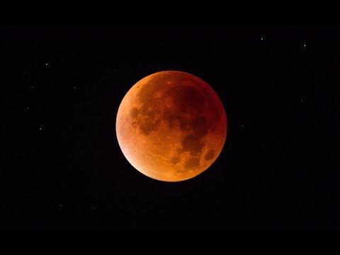 Super Blue Blood Moon (Time Lapse) Video via Iphone-7