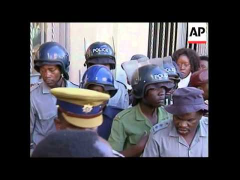 ZIMBABWE: HARARE: CHENJERAI HUNZVI COURT CASE