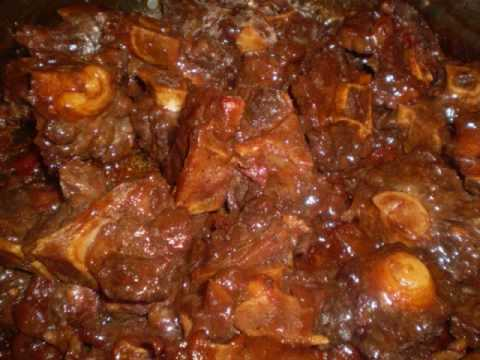 Caribbean stew oxtail recipe http://caribbeanpot.com/savory-oxtail-in-a-rich-and-thick-gravy/