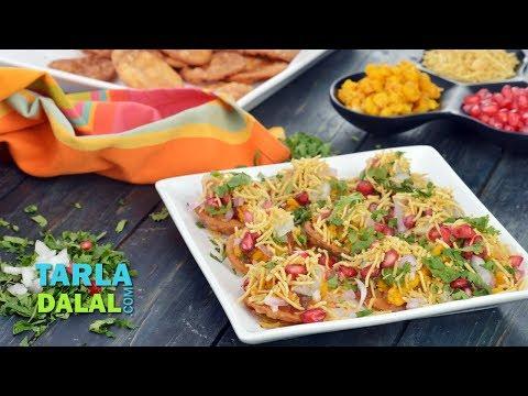 मिनी दाल पकवान चाट (Mini Dal Pakwan Chaat) by Tarla Dalal
