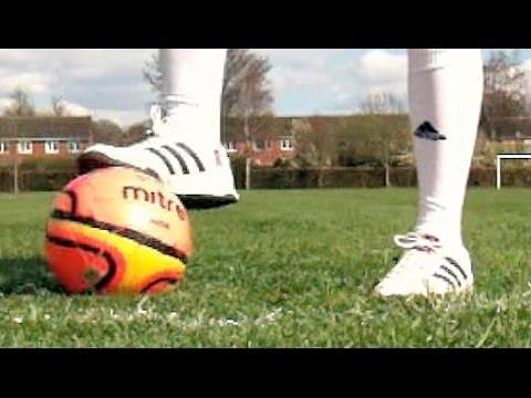 Zidane and Ronaldinho moves - football soccer skills