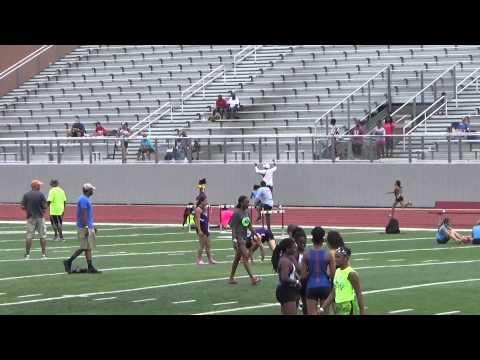 san antonio Alivia Shaw shoe came off & went back to go get it! HEART OF A CHAMPION!