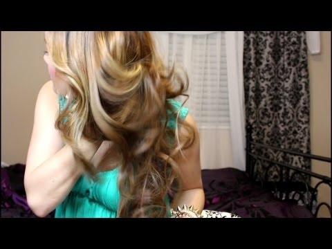 Hair Tutorial: Everyday Loose Curls (in under 7 min!)