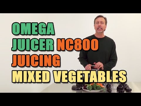 Omega Juicer NC800 Juicing Mixed Vegetables