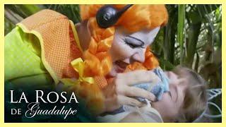 La Rosa de Guadalupe: Brenda es secuestrada por unos payasos | La balada de las flores