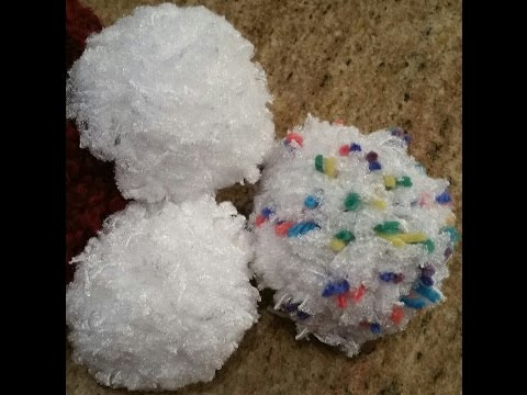 How to make a pom pom that looks like a snowball
