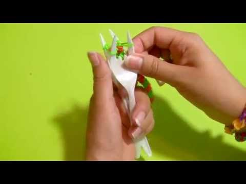 Learn to make an easy Loom bracelet made with two forks and Loom bands