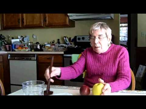 Grandma's Amazingly Tasty (and Simple) Applesauce Recipe