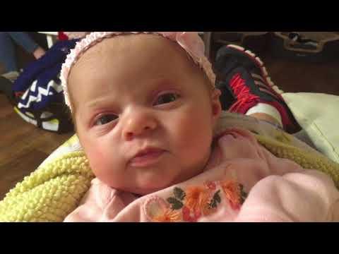 Baby Ella And Christmas Plays Vlogmas Day 24