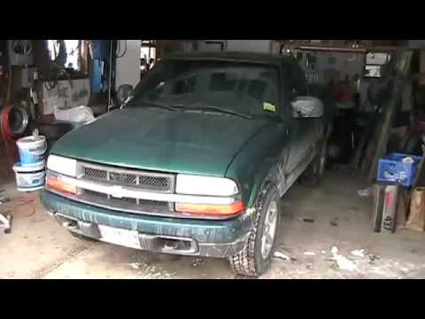Replacing a U-joint in a 1999 Chevy S-10 4x4