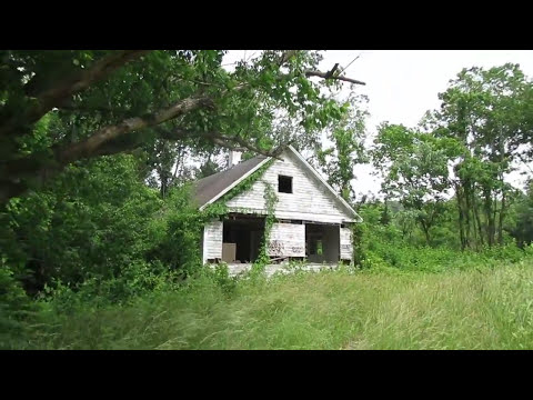 Inside Another Creepy Abandoned House  in Asheville, North Carolina