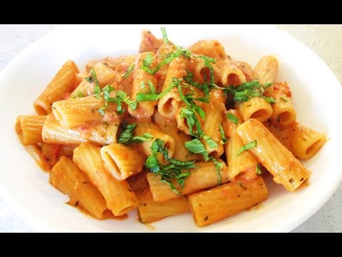 Tomato and Cream Pink Sauce - with Rigatoni Pasta - PoorMansGourmet