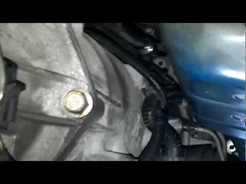 2002 Pontiac Firebird transmision removal part 1
