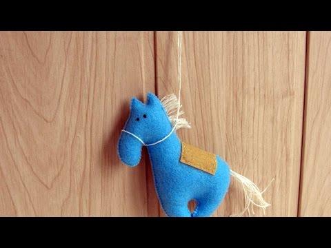 How To Make A Cute Felt Horse - DIY Crafts Tutorial - Guidecentral