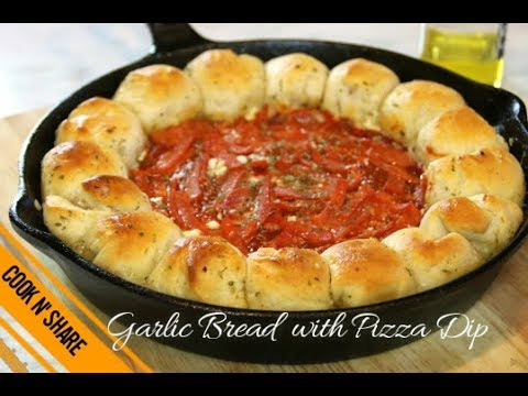 Garlic Bread with Pizza Dip