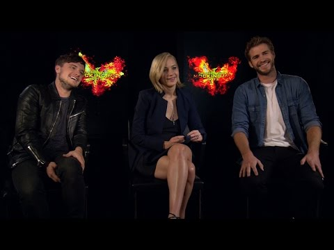 The Hunger Games: Mockingjay Cast Sign Their Characters Up For Online Dating | Mockingjay 2