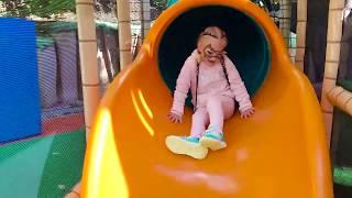 АЛИСА на КЛАССНОЙ детской площадке для детей СЕТОЧНЫЙ ГОРОДОК !