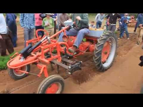 Electric cultivator tractor