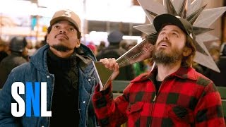 Download SNL Host Casey Affleck & Chance the Rapper Decorate the Christmas Tree Video