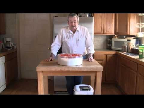 Dehydrating Tomatoes