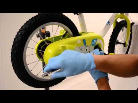 How to do the tapping thread for stabilisers child bike // Workshop Decathlon