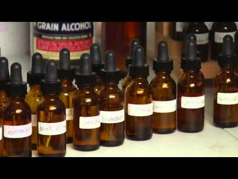 How to Buy Oils to Make Cologne or Perfume
