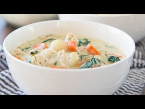 COOK DINNER WITH ME! Creamy Vegetable Gnocchi Soup