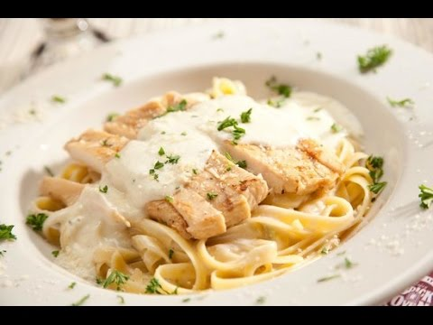 How To Make the Best Fettuccine Alfredo Chicken With Easy Steps (Cheesecake Factory Secret Recipe)