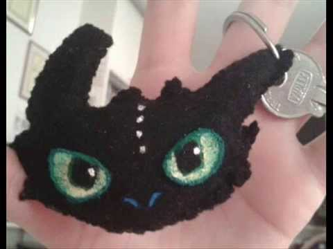 Tutorial: How to make a Toothless keychain (How to Train your Dragon)