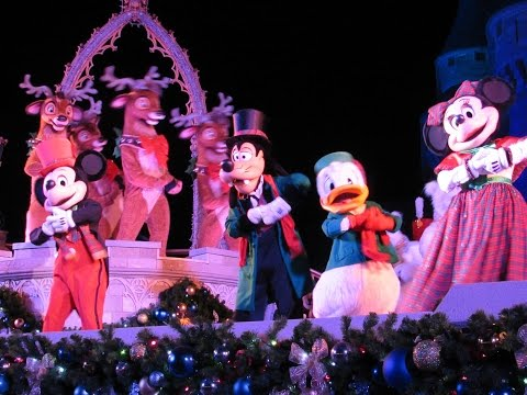 5 Reasons to Visit Mickey's Very Merry Christmas Party