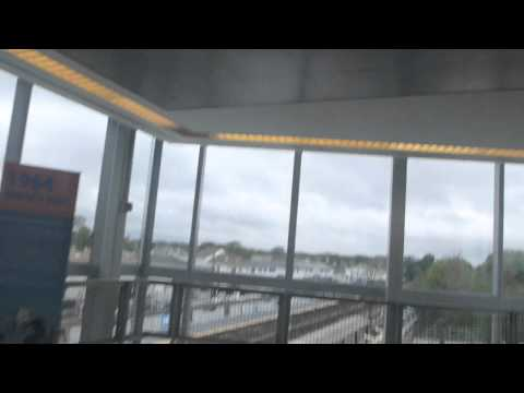 Getting the Skytrain to JFK Airport in New York   USA   October 2014