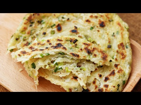 Extra-Flaky Chinese Scallion Pancakes Recipe [葱油饼]