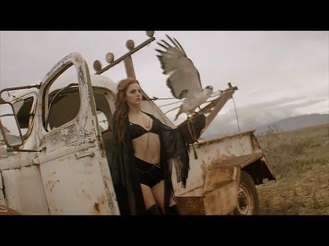 """¡Ya a la venta en formato digital la edición internacional de """"Unlocked""""! ¡""""Vanilla Chocolat"""", con Connect-R, es el nuevo single de Alexandra Stan!"""