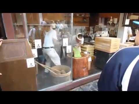 Hài hước với công nghệ làm bánh của Nhật