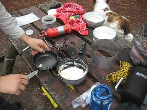 Making bannock in the backcountry