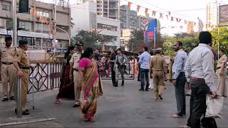 Mukesh Ambani and Family arriving at Siddhi Vinayak Temple with full security and cars.