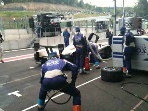 Tyre Change and refuel of car 30 Racing Box SPA.MOV