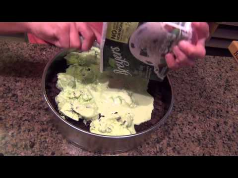 How to Make an Ant Ice Cream Cake!-Lily Pad