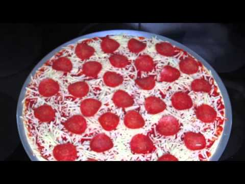 How to a make Lu's Pizza.