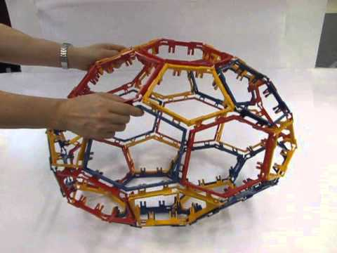 Polyhedra With Articulated Faces : Truncated Icosahedron