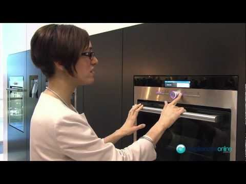 Siemens top-of-the-range oven features clear TFT display with a range of recipes - Appliances Online