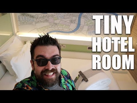 TINY LONDON HOTEL ROOM & TOLD OFF FOR FILMING AT O2! | LONDON VLOG 2018