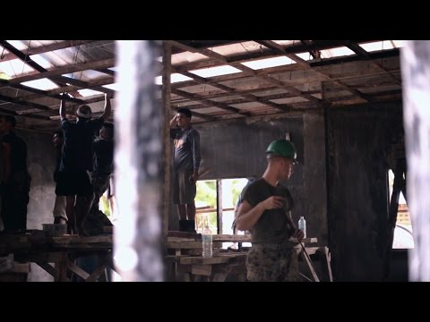 Philippine Marines and US Marines Engineers Build Structure