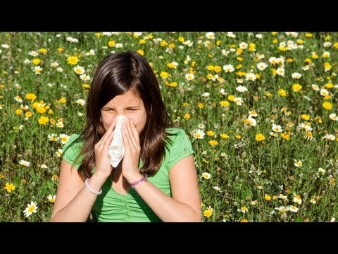 How to Treat a Severe Allergic Reaction | First Aid Training