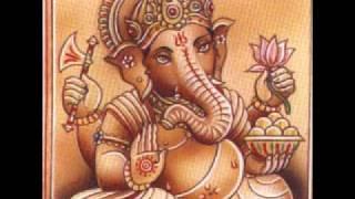 """Ganesha Om""   Ganesha: El Hijo de Shiva y de Parvati. ¡Om Gam Ganapataye Namah! (Om Gam, Saludos al Señor de los Innumerables).. ¡Om Kshipra Prasadaya Namah! (Om, Saludos al Veloz Salvador) ¡Om, Vighnanashanaya Namah! (Om, Saludos al Destructor de Obstáculos) ¡Om, Gajananaya Namah! (Om, Saludos al del Rostro de Elefante) ¡Om, Heramba Ganapataye Namaha! (Om, Saludos al Protector Señor de los Innumerables) ¡Om, Runamochana Ganapataye Namah! (Om, Saludos al Liberador el Señor de los Innumerables) ¡Om, Skandanujaya Namah! (Om, Saludos al Hermano Mayor de Skanda-Karttikeya.) ¡Om, Sarvatanayaya Namah! (Om, Saludos al Hijo de Shiva.) ¡Om, Sharvaripriyaya Namah! (Om, Saludos al Hijo de Shakti.) ¡Om, Shivaya Namah! (Om, Saludos al que es el Propio Shiva.) ¡Om, Kamine Namah! (Om, Saludos al Dios del Amor)  ""Ganesha Om"" Album: The Way Home. Artist: ( Feat jethro Williams and Prem Williams) By: Sacred Earth The group is called, ""Sacred Earth"". Here"
