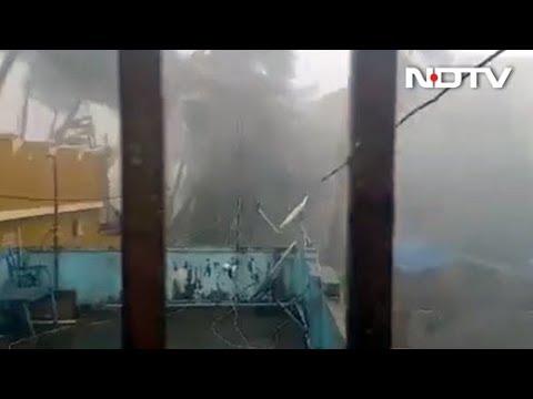 Xxx Mp4 Cyclone Fani Odisha में Puri तट से टकराने के बाद West Bengal की तरफ बढ़ा तूफान फानी 3gp Sex